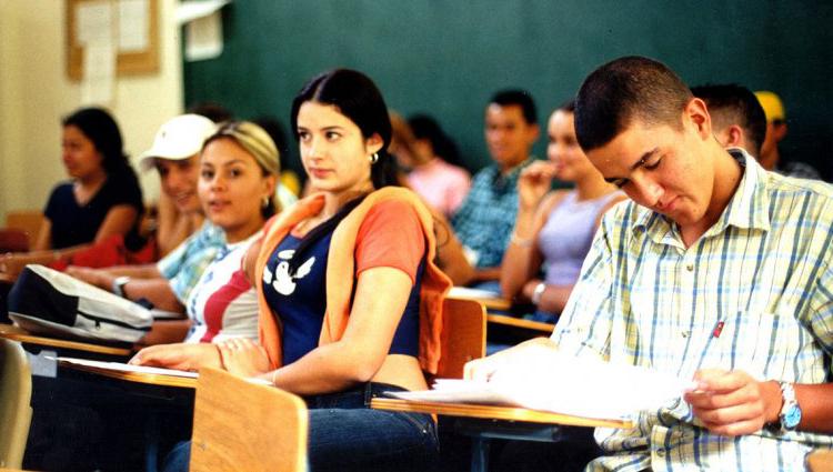 Becas de ayuda económica para estudiantes de las Sedes Territoriales