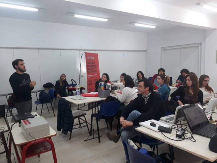Se realizaron en General Alvear los dos primeros encuentros del Taller: Uso de tecnologías libres para la enseñanza de ciencias, a cargo del Dr. Pablo Cremades