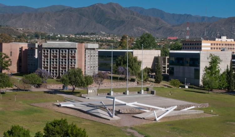 Se otorgaron las Becas de Investigación y Posgrado para estudiantes, egresados/as y docentes de la Facultad