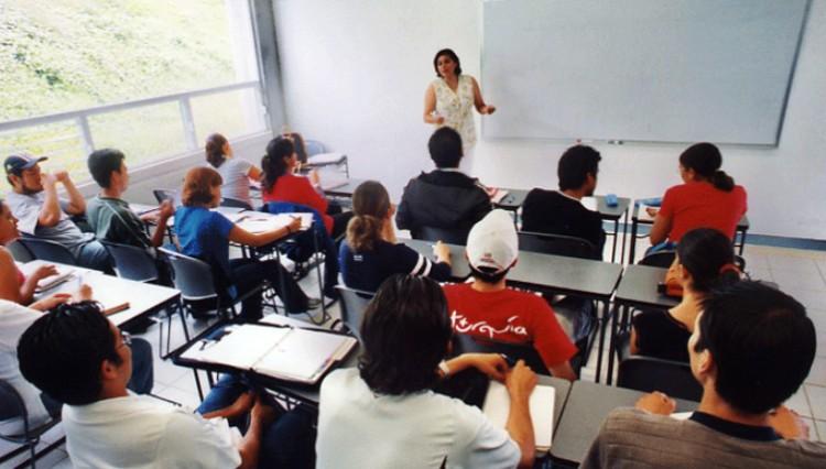 Convocatoria a Estudiantes avanzados o Egresados/as recientes para Becas de Prestación de servicios en actividades académicas