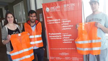 La Facultad entregó chalecos de seguridad vial a estudiantes de Valle de Uco