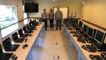 Computadoras donadas por YPF para la Sede Malargüe