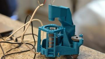 En el marco del Taller de Tecnologías Libres se presentó en la Facultad un microscopio fabricado con impresora 3D