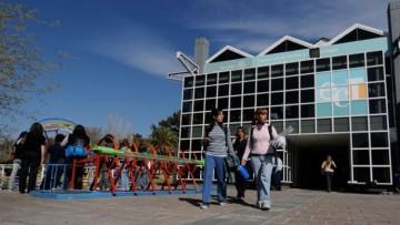 Convocatoria a Becas de prestación de servicios para Egresados/as de la FCEN