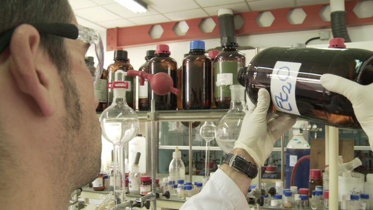 Charla para docentes sobre Higiene y Seguridad en laboratorios
