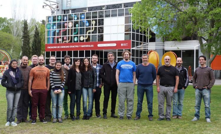 Proyecto internacional de investigación en química y física en la FCEN
