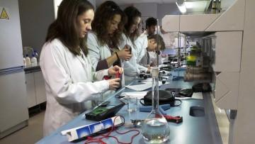 Convocatoria a Alumnos para Ayudante de Laboratorio