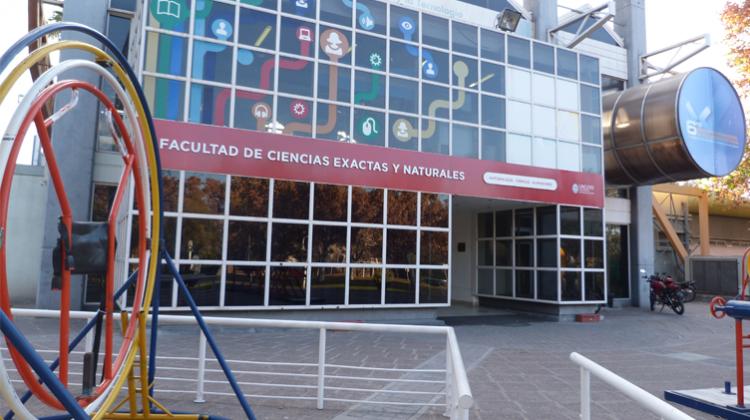 Nuevo equipamiento para laboratorios de docencia y aulas de la Facultad