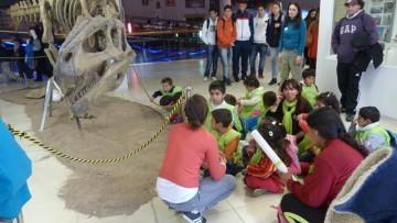 Ya se puede visitar el stand de dinosaurios en la Brújula