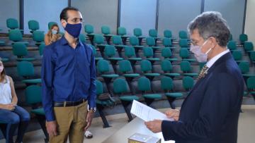 Entrega de Diplomas y jura de egresados/as FCEN 2020