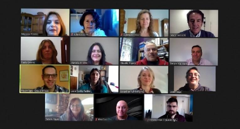 Reunión virtual del equipo de investigación que trabaja en el proyecto.