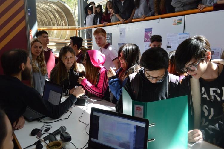 Convocatoria a estudiantes para beca de comunicación de la ciencia